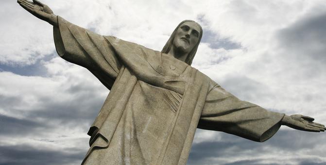 Jesus Corcovado statue